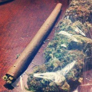 bag-weed-blunt