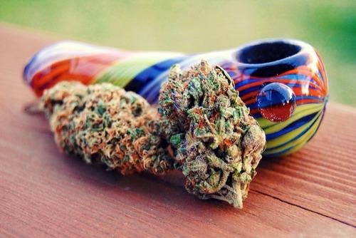 glass pipe with marijuana nugs